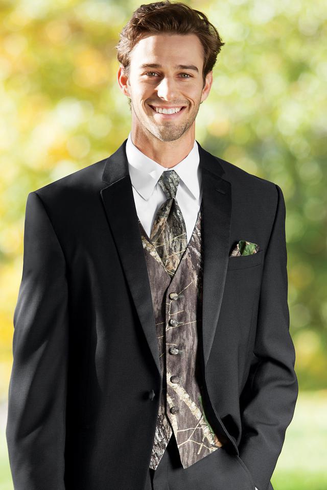 Mossy Oak Camouflage Vest | Jim\'s Formal Wear